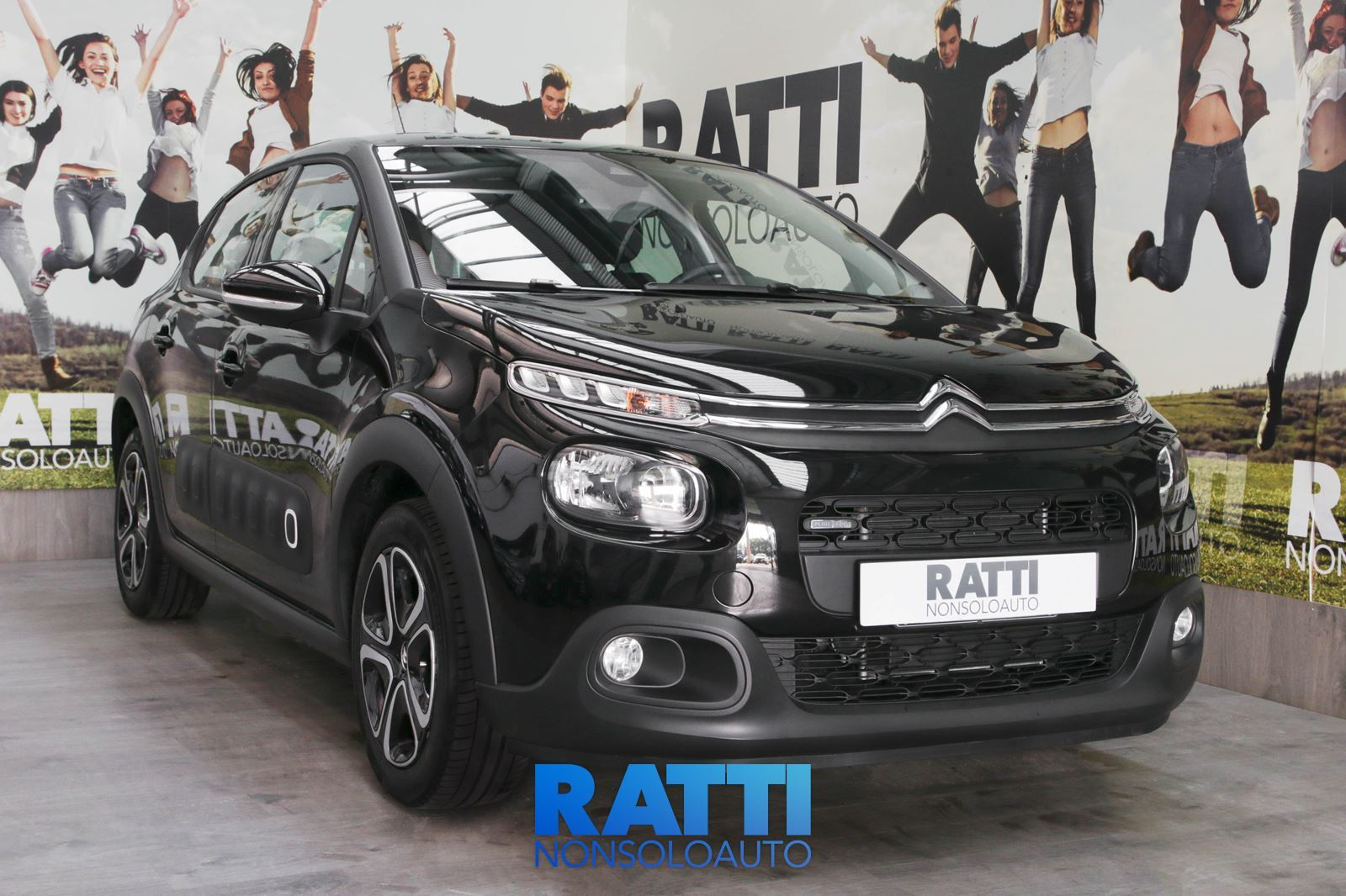 CITROEN C3 BlueHDi 1.6 75CV S&S Shine Night Black  cambio Manuale Diesel Aziendale berlina due volumi 5 porte 5 posti EURO 6