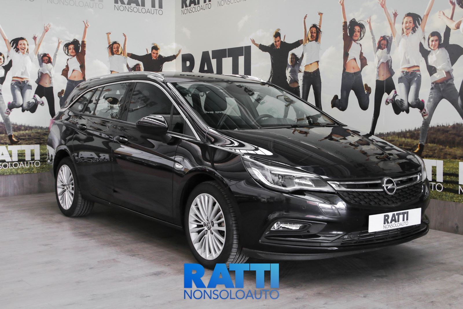 OPEL Astra 1.6MDE 110CV Sports Tourer Innovation DARKMOON BLUE METAL  cambio Manuale Diesel Aziendale station wagon 5 porte 5 posti EURO 6