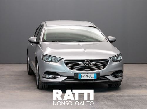 OPEL Insignia ST  1.6 136CV Innovation SOVEREIGN SILVER cambio Automatico Diesel