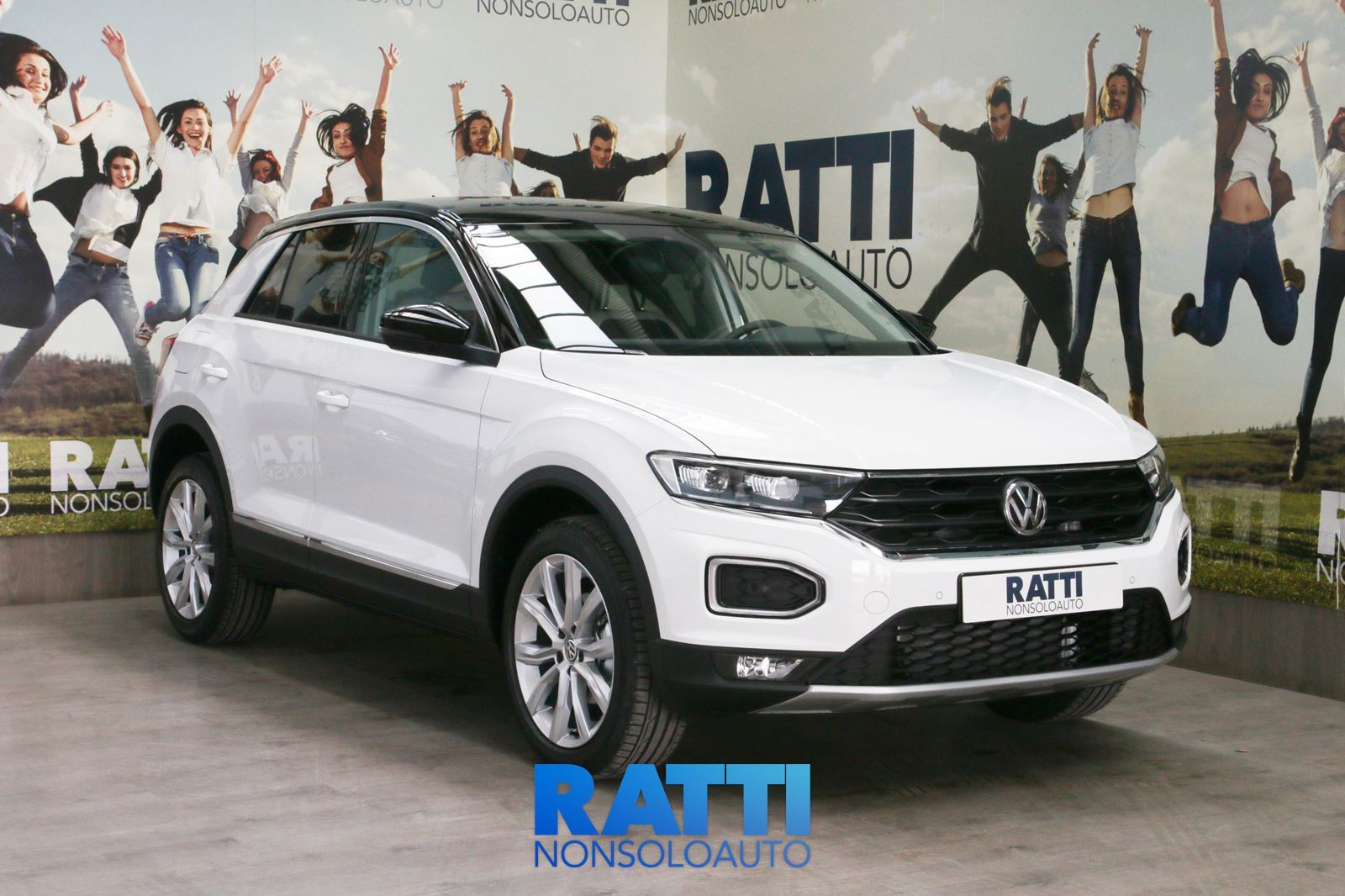 Volkswagen T-ROC 1.6 TDI  115CV ADVANCED + Executive Pack Bianco  cambio Manuale Diesel Nuovo 5 porte 5 posti EURO 6