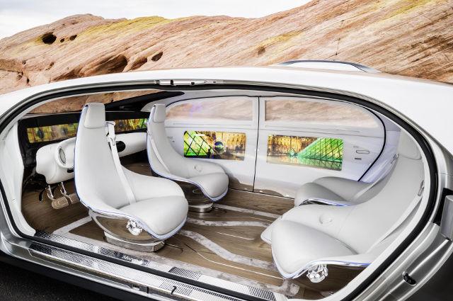 Mercedes F 015 in un futuro prossimo